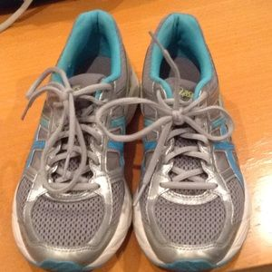Size 8 running shoe